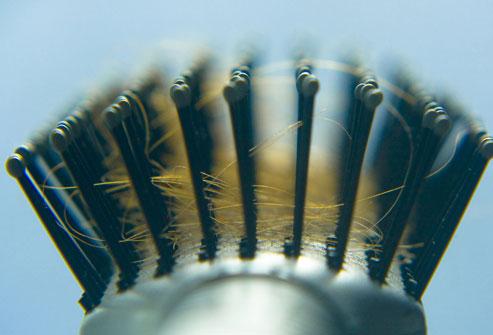 ریزش مو طبیعی