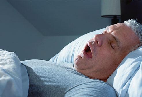 خستگی و  وقفه تنفسی هنگام خواب