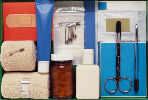 جعبه کمکهای اولیه برای مسافران